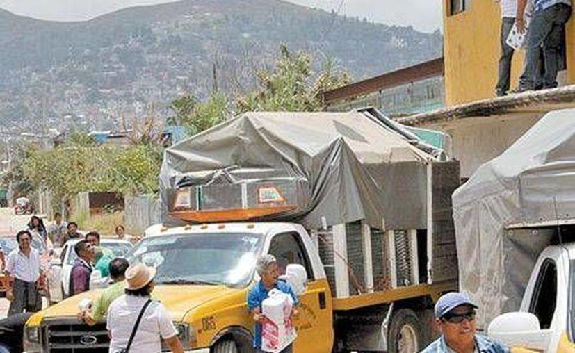 La SNTE indicó que levantará la denuncia correspondiente por el saqueo a su bodega en la ciudad de Oaxaca. (Milenio)