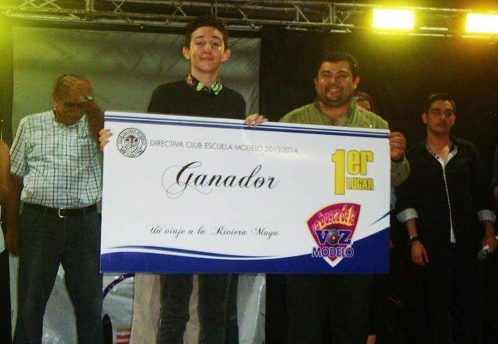 """Mauricio Correa Arias ganó el concurso de """"La Voz Modelo"""". (Milenio Novedades)"""