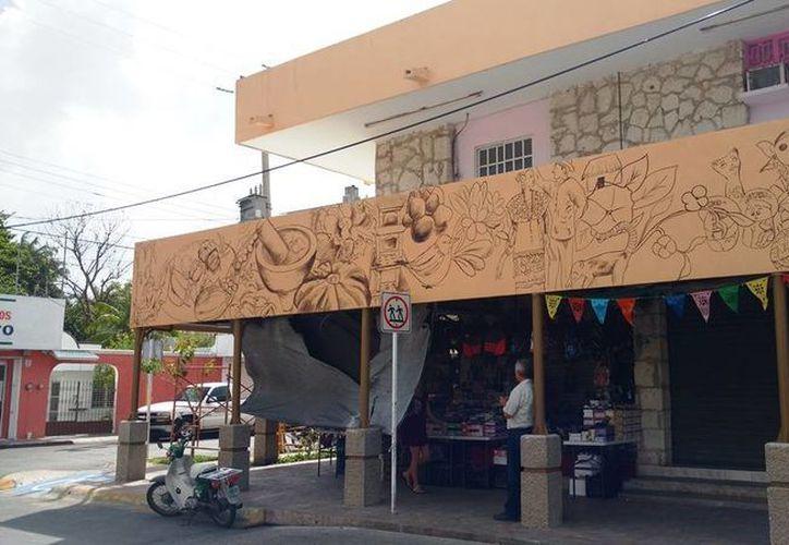 El artista se hizo acreedor a 10 mil pesos, materiales y herramientas para la obra. (Irving Canul/SIPSE)