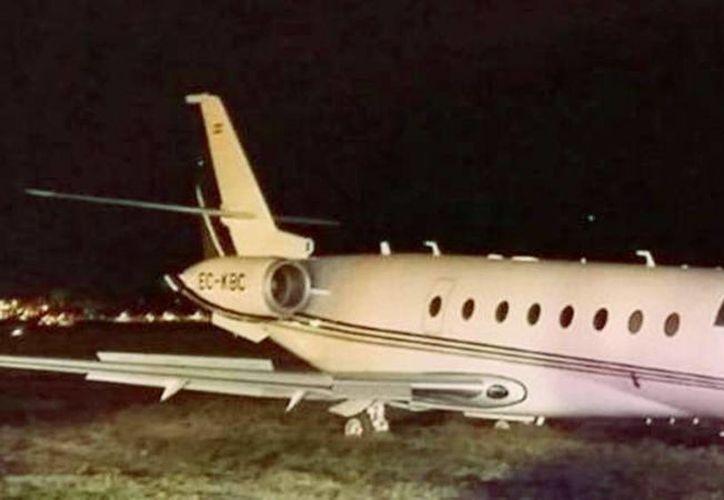 El tren de aterrizaje del Gulfstream G200, propiedad del astro del Real Madrid, se partió en el momento del descenso, pero la buena maniobra del piloto del avión evitó que hubiera consecuencias más graves. (clarin.com)