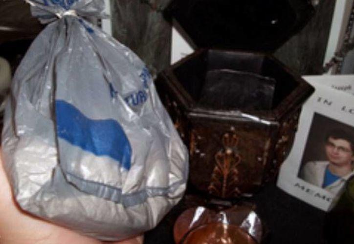 Los restos humanos estaban dentro de una bolsa de Wal-Mart. (Foto: Especial)