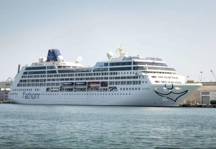 """La línea Fathom, de Carnival, comenzará los viajes a Cuba en el crucero de lujo """"Adonia"""", con capacidad para 704 pasajeros, cada dos semanas, desde la citada fecha. (Archivo/EFE)"""