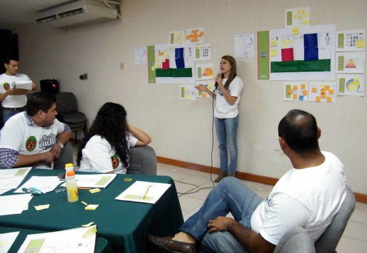 En el taller enseñan a los jóvenes cómo lograr una historia de éxito. (Milenio Novedades)