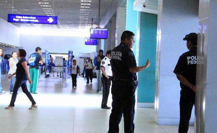 Con la retención de ayer suman 76 aseguramientos en lo que va del año tras los operativos a cargo del INM en el Aeropuerto Internacional de Mérida  'Manuel Crescencio Rejón'. (Archivo/SIPSE)