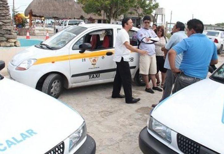 Resuelven algunas diferencias taxitas de Bacalar y Chetumal