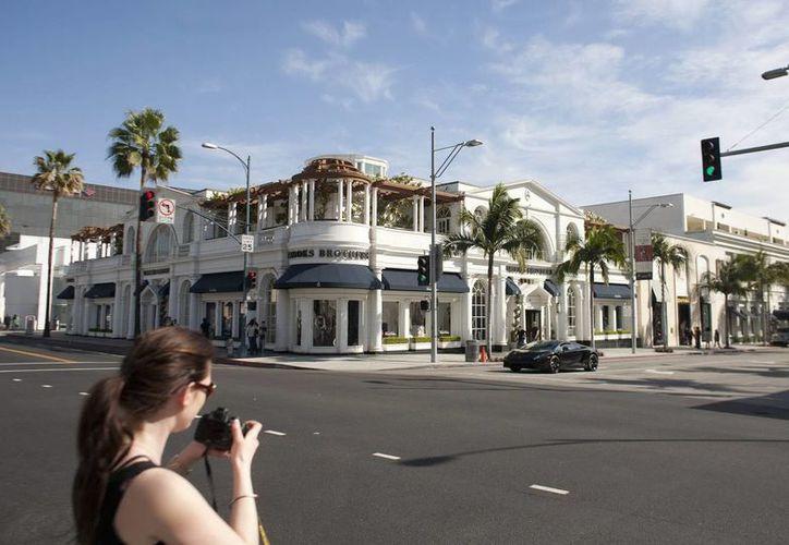De a poco Beverly Hills ha ido perdiendo casas y edificios emblemáticos que la han hecho tener una identidad propia y diferente a Los Angeles. (EFE)