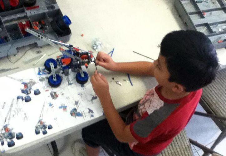 Los niños podrán realizar sus propios robots en el proyecto Andromie Maker. (Milenio Novedades)