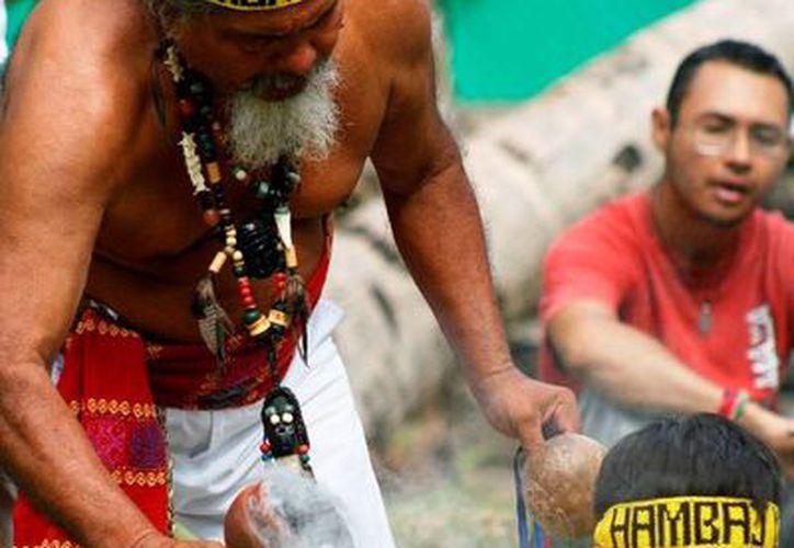 Representantes de la comunidad maya lamentan que desde 2012 se lucre con la práctica de rituales propios de esta cultura. (Octavio Martínez/SIPSE)