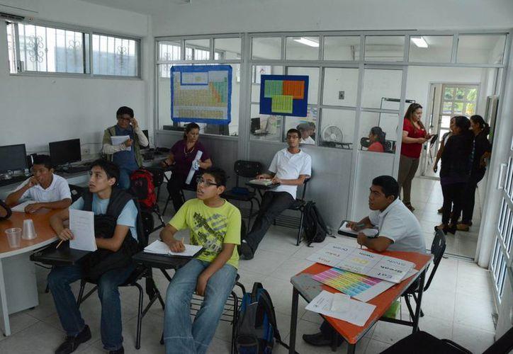 La primera generación se tomó seis años en egresar. (Victoria González/SIPSE)