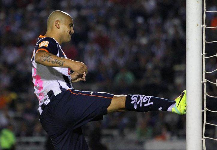 La frustración se apoderó de algunos de los jugadores de Rayados: el torneo ha sido malo para el club. (Agencias)