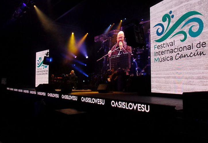 El cantautor se presentó como parte del Festival Internacional de Música Cancún. (Israel Leal/SIPSE)