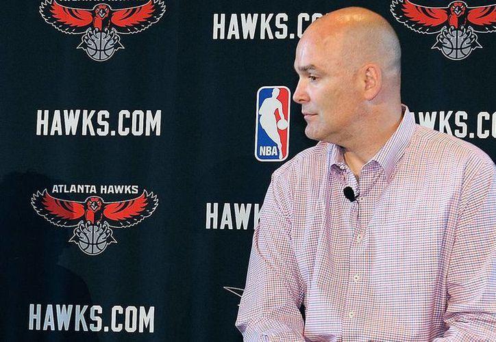 El director ejecutivo de los Halcones de Atlanta, Steve Koonin se negó a despedir a Danny Ferry (foto). (AP)