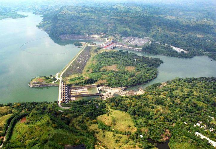 CFE dejó de ser un monopolio de generación eléctrica en México debido a la Reforma Energética. Imagen de la Central Hidroeléctrica Peñitas en Chiapas. (facebook.com/CFENacional)