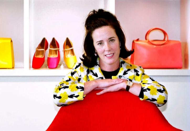 Kate Spade, diseñadora de modas reconocida por sus accesorios de lujo, falleció el martes 05 de junio. (Yahoo)
