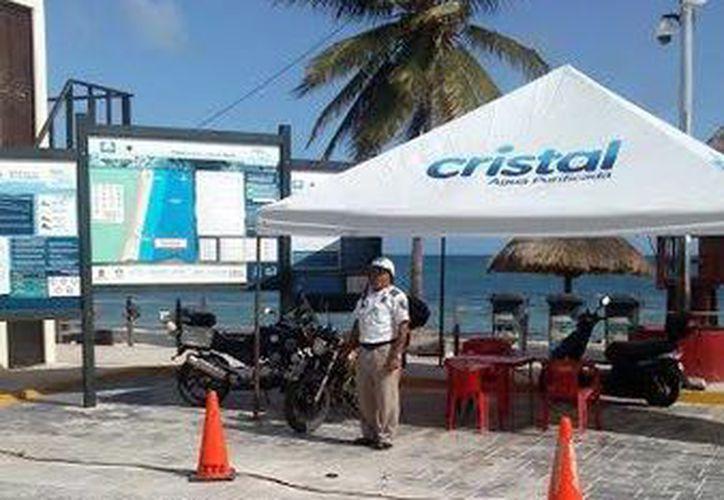 Las autoridades ubicaron los módulos para dar atención a los turistas y locales. (Redacción/SIPSE)
