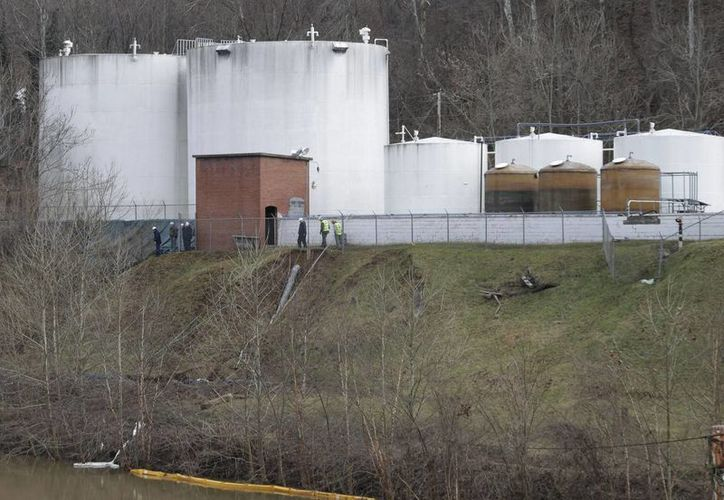 Según Freedom Industries, el derrame de 4-metilciclohexanometanol en el río Elk, ocurrido el 9 de enero, fue por una fuga en la parte inferior del tanque donde se almacenaba. (Agencias)