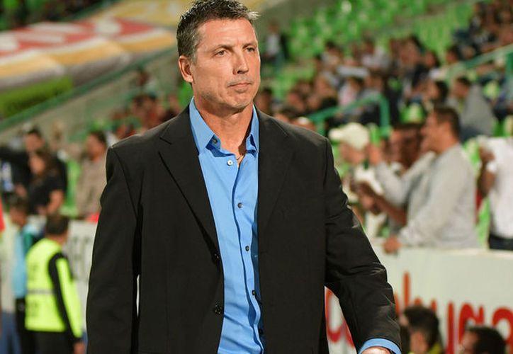 El actual campeón de la Liga MX omitió el nombre del estratega uruguayo. (Futbol total)