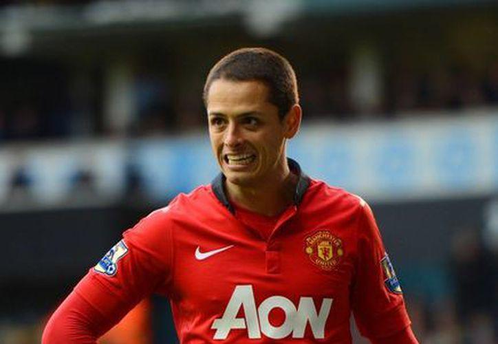 'Chicharito' Hernández tuvo un gran primer año con el Manchester United, pero desde entonces no ha podido ser titular indiscutible. (metro.co.uk/Foto de archivo)