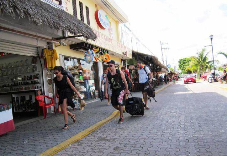 Los comerciantes se muestran optimistas ante la cercanía del fin de año.  (Rossy López/SIPSE)