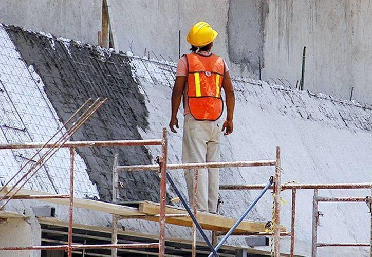 Además de la construcción, el comercio y la industria son los sectores donde se presentan mayor número de accidentes laborales. (SIPSE)