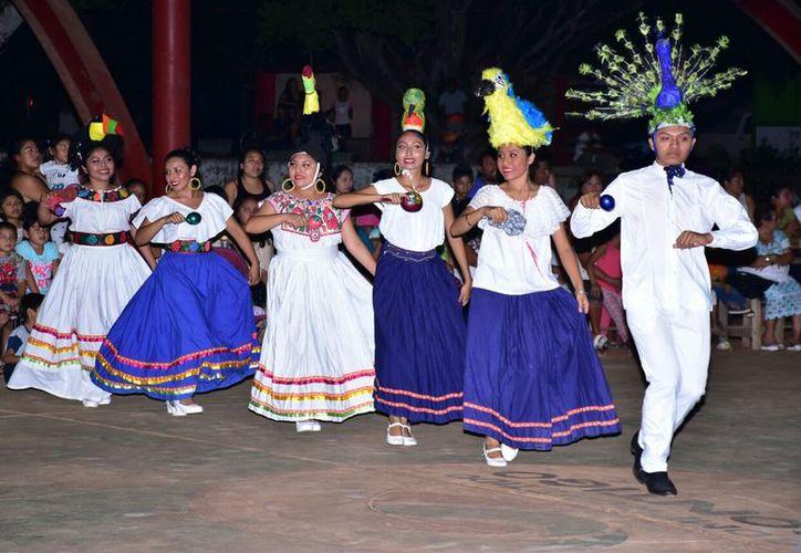 En el festejo se presentó el ballet folklórico del Tecnológico de Felipe Carrillo Puerto. (Foto: Redacción/SIPSE)