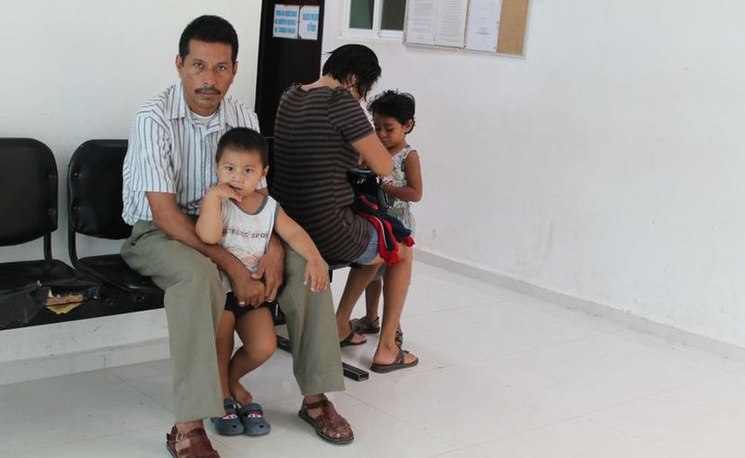 Autoridades de Salud piden a la población acudir al médico en caso de presentar los síntomas. (Juan Carlos Gómez/SIPSE)