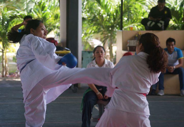 La delegación quintanarroense de karate, buscará su boleto  en el clasificatorio a celebrarse del 7 al 11 del presente en San Luis Potosí. (Ángel Villegas/SIPSE)