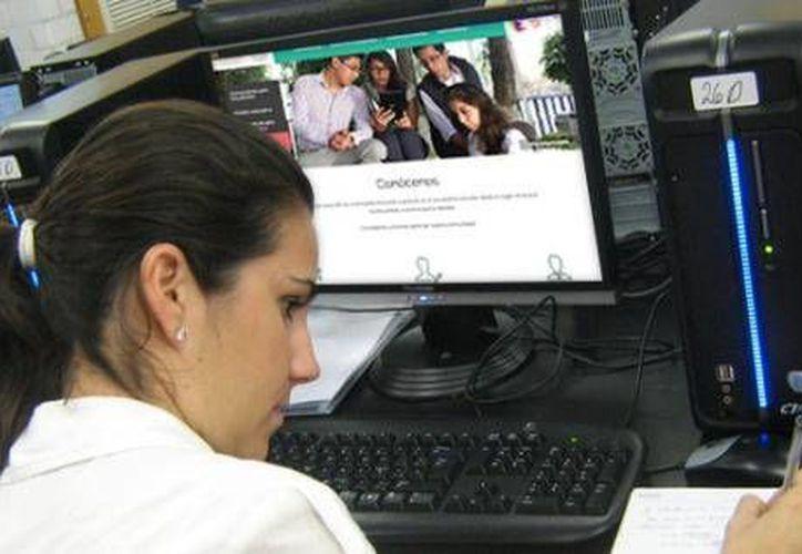 Invitan a los jóvenes de Quintana Roo a estudiar la Prepa en línea. (Contexto/Internet)