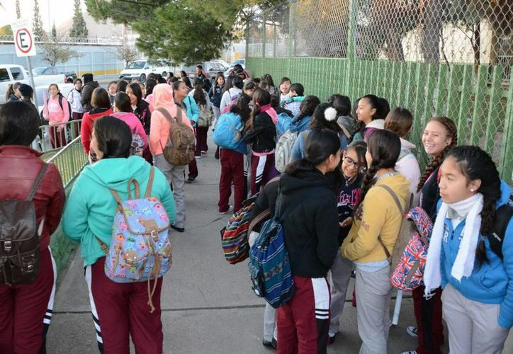 Este jueves regresaron a clases poco más de 754 mil alumnos de educación básica en todo el país, después del periodo vacacional correspondiente a la época decembrinas. (Notimex)
