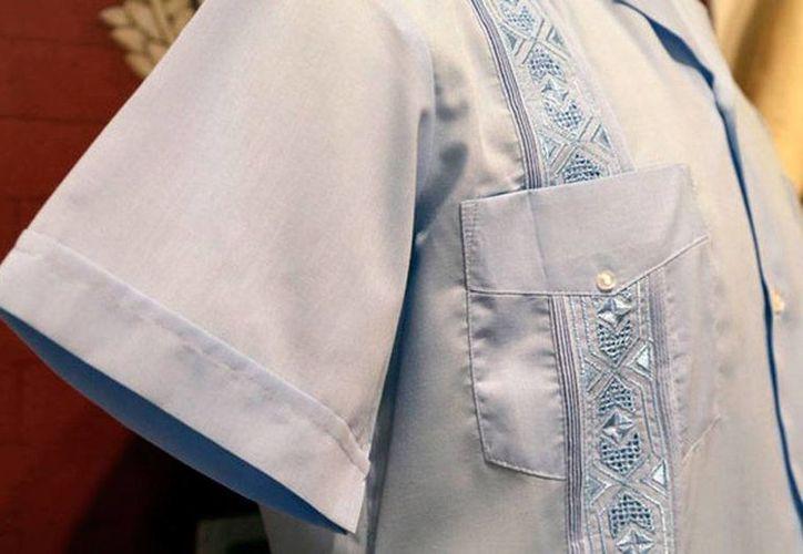 Con la campaña 'Así es la guayabera. Así es Yucatán', Gobierno e industriales del vestido pretenden vender, en México y el mundo, 300 mil prendas tradicionales d de la región. La imagen es de contexto. (Archivo/Agencias)