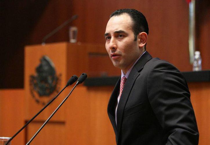 Roberto Gil aseguró que las nuevas leyes no provocarán un alza en las tarifas eléctricas. (pan.senado.gob.mx)