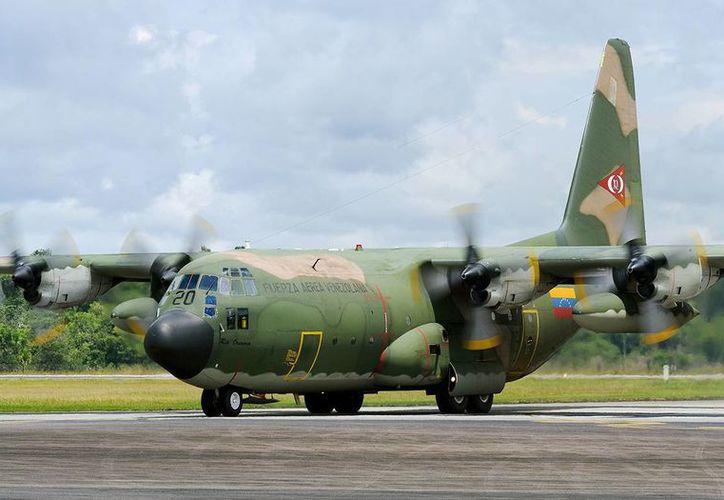El aparato de la Fuerza Aérea venezolana trajo al país a 35 miembros de la misión de avanzada que prepara la visita del presidente Nicolás Maduro. (taringa.net)