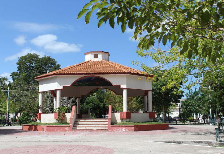 En 2017, cuando se reactivó el apoyo federal, Bacalar logró una bolsa de tres millones de pesos, con el que se habilitó una red de Wi-Fi en el parque central de la ciudad. (Javier Ortiz/SIPSE)