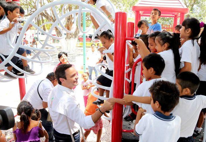 El parque dela Región 234 fue inaugurado por autoridades municipales. (Redacción/SIPSE)