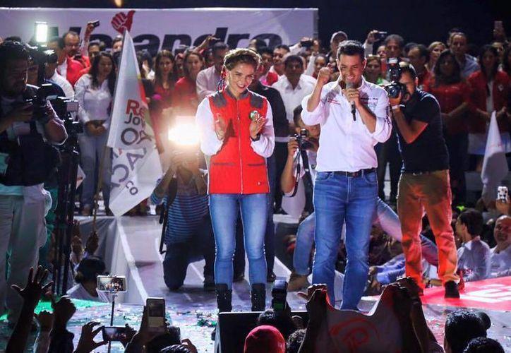 El PREP en Oaxaca le dio al candidato del PRI-PVEM-NA, Alejandro Murat Hinojosa, el 32 por ciento de los votos. (Facebook Alejandro Murat Hinojosa)