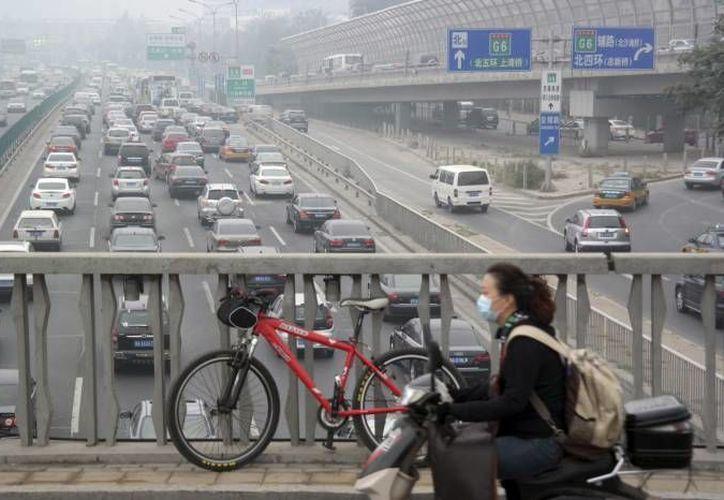 En China hay cuatro niveles para calificar el clima extremo, el rojo es el más severo, seguido del naranja, amarillo y azul. (Agencias/Foto de archivo)