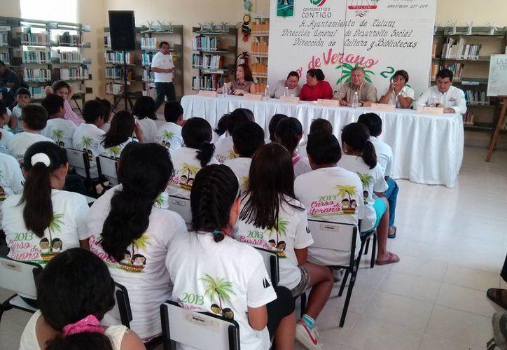 """Inauguran el programa """"Curso de Verano 2013"""", también denominado """"Mis Vacaciones en la Biblioteca"""". (Rossy López/SIPSE)"""