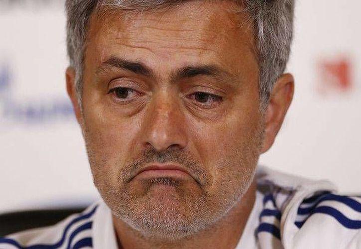 Mourinho mantiene al Chelsea al frente de la liga inglesa tras 17 jornadas. (mirror.co.uk)