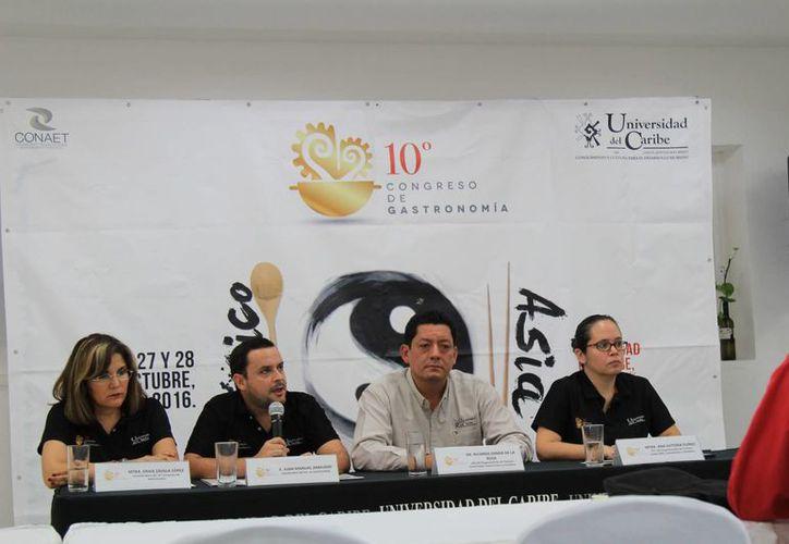 Los organizadores brindaron una conferencia de prensa. (Jesús Tijerina/SIPSE)