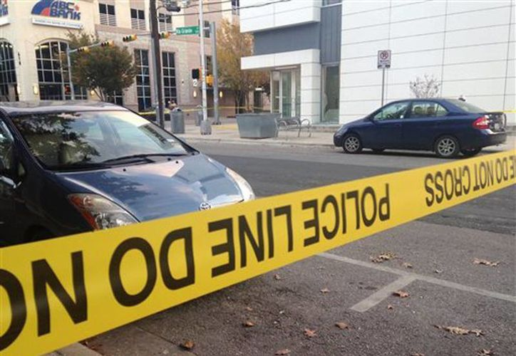 Según la policía de Austin, en los tiroteos murió una mujer de unos 30 años de edad. (Foto de contexto/AP)