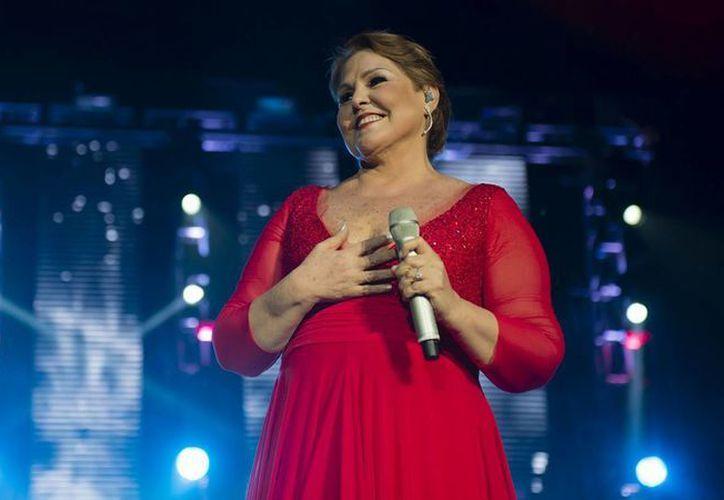 Lupita D'Alessio se presentará el próximo 13 de mayo en el Auditorio Nacional para iniciar los festejos de sus 45 años de trayectoria musical. (Imagen tomada de periodicoelnacional.mx)