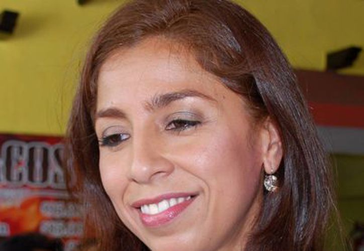 Maribel Villegas Canché en una conferencia con medios de comunicación. (Tomás Álvarez/SIPSE)