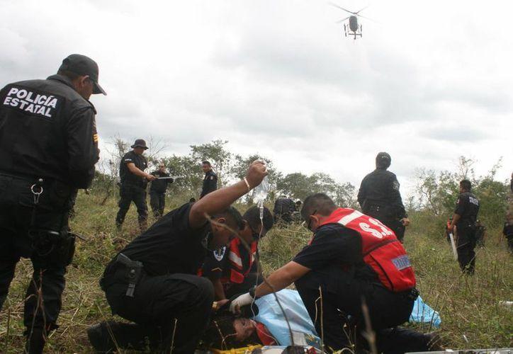 Kellea Batchelor tuvo que ser rescatada por el helicóptero de la SSP, luego de extraviarse en montes de Yucatán. (SIPSE)