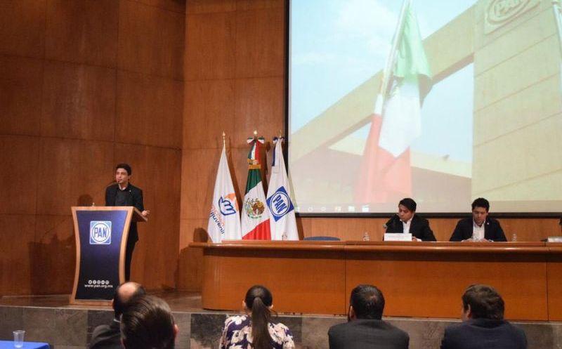 Pide apoyar a Guaidó; reclaman morenistas -Reforma
