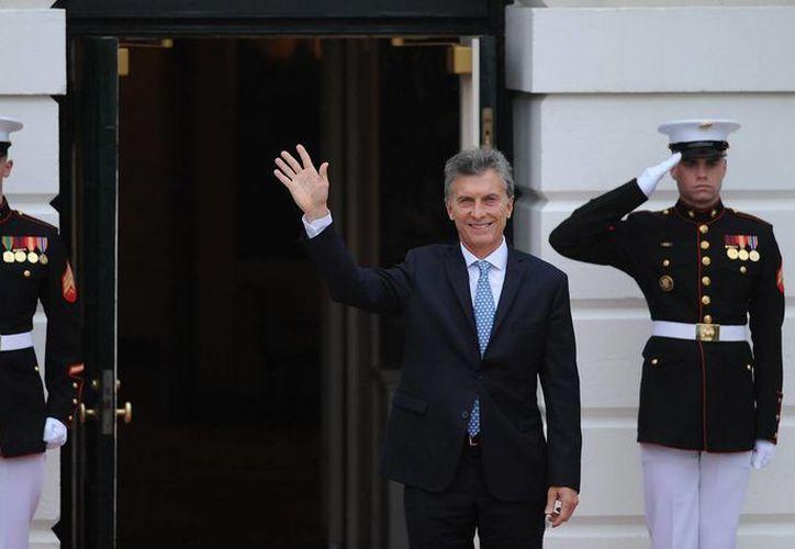 Mauricio Macri, presidente de Argentina, se propuso normalizar el pago de la deuda de ese país para reintegrarlo a los mercados financieros y garantizar futuras inversiones. (Notimex/archivo)