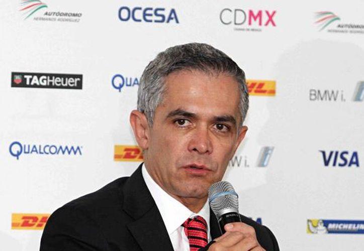 El jefe de Gobierno capitalino, Miguel Ángel Mancera, dijo que con apoyo del Banco Mundial no solo se garantizará el abasto de agua potable a todos los capitalinos sino que se mejorará el sistema. (Notimex)