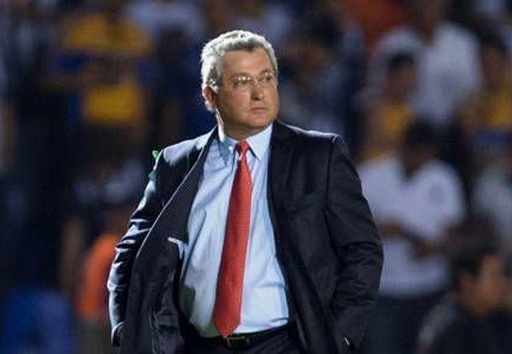 Victor Vucetich se encuentra confiado, y asegura que Gallos Blancos de Querétaro dará su máximo esfuerzo en busca del título. (100x100fan.mx)