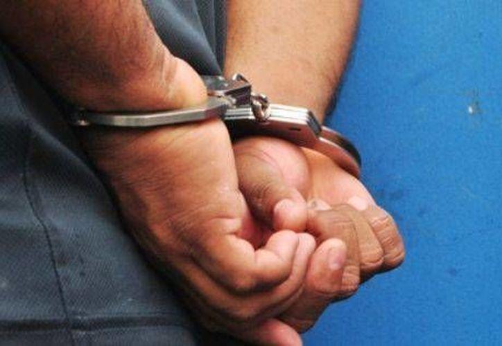 Los detenidos fueron sorprendidos con 470 mil 270 pesos. (digital.info)