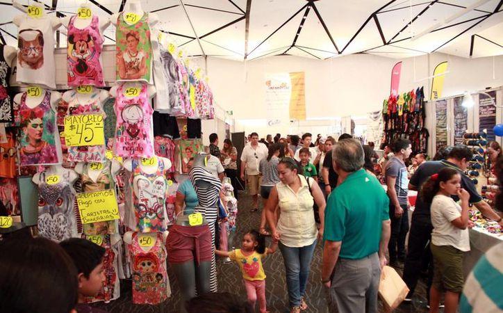 Este domingo concluyó la Expo Feria del Comercio 2016, en el Centro de Convenciones. Según los organizadores, asistieron unas 300 mil personas. (Jorge Acosta/SIPSE)