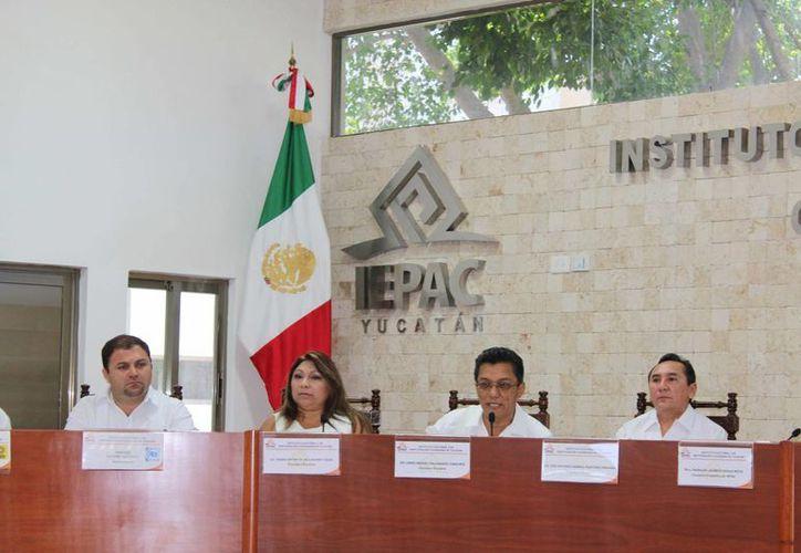 El Iepac creó este viernes un nuevo organismo que se encargará, entre otras cosas, de la selección, ingreso, evaluación, rotación y permanencia del personal. (Foto cortesía del Gobierno de Yucatán)